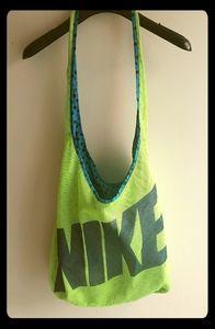 Sale😊😊Nike Reversible Bag
